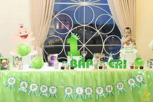 tổ chức sinh nhật cho bé tông màu xanh