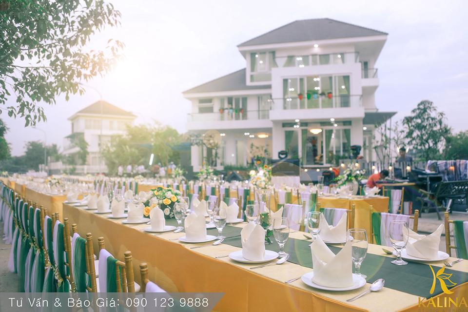 tiệc cưới tone ngoài trời