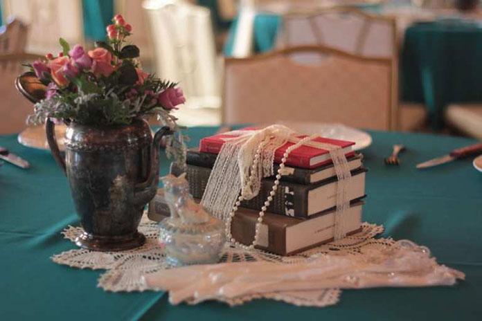 trang trí tiệc cưới hoài cổ