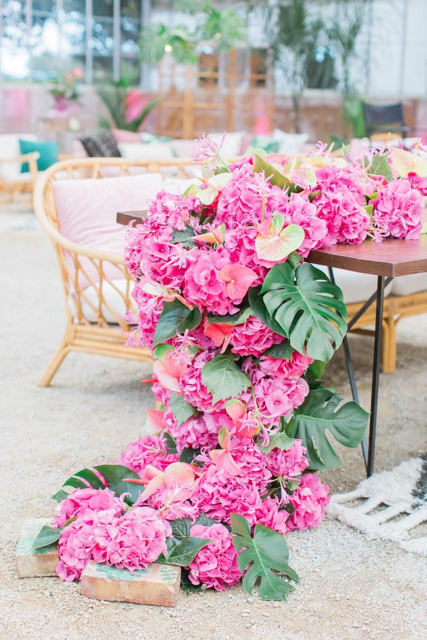Trang trí tiệc cưới tông hồng nhạt