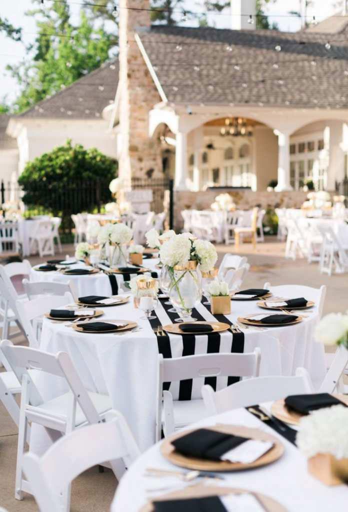 trang trí tiệc cưới trắng đen