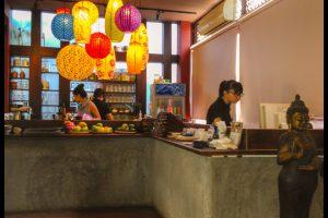 Danh-sach-12-nha-hang-buffet-chay-ngon-re-o-Tp-Ho-Chi-Minh-12